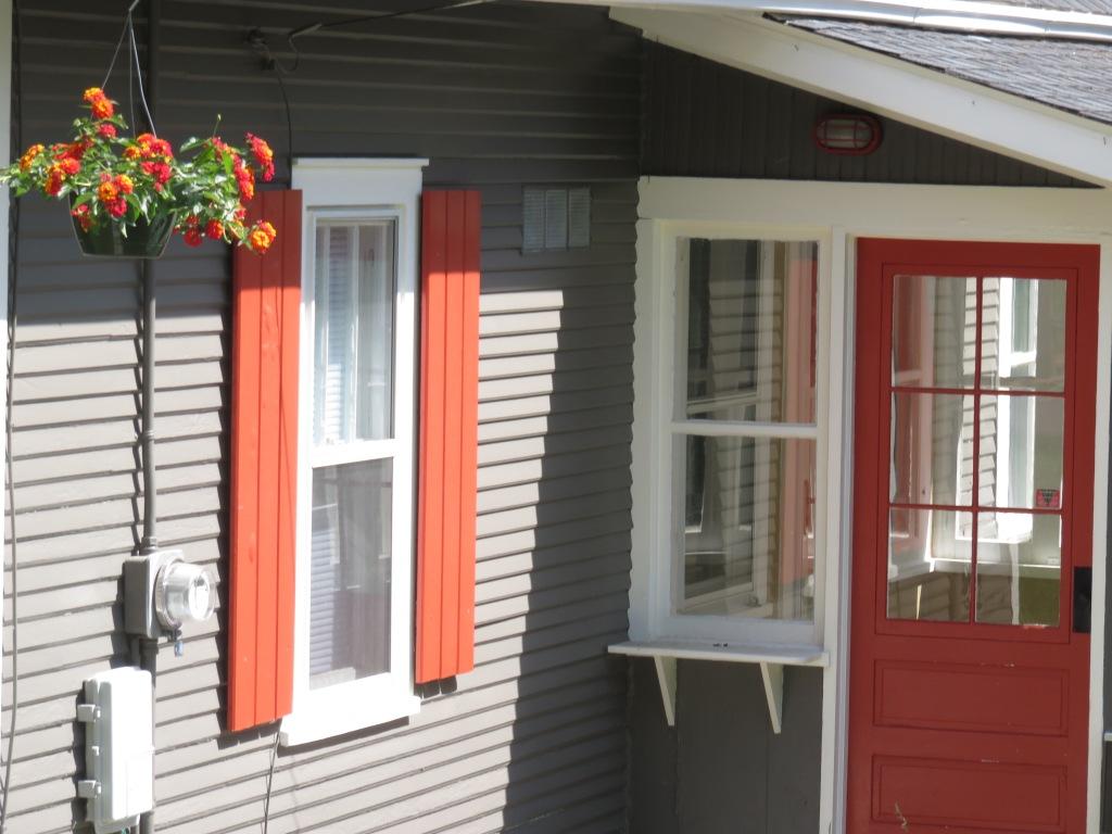 ddp. 06061 orange shutters.jpg - 1